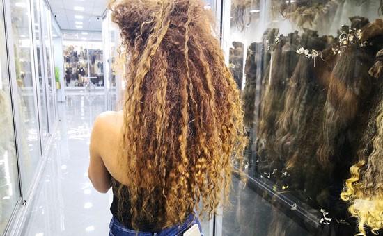 תוספות שיער בשיטת המדבקה