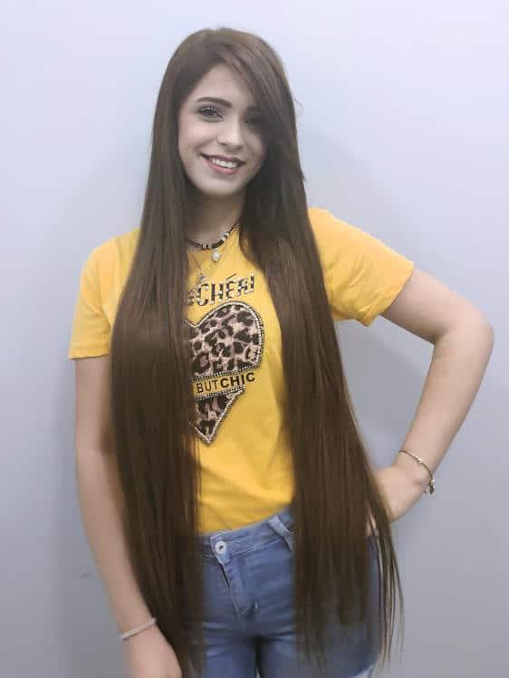 הארכת שיער ארוכה במיוחד